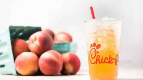 Chick-Fil-A-White-Peach-Tea-Lemonade